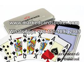 Copag Summer Edition jugando a las cartas