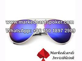 Aviator marcado jugando gafas